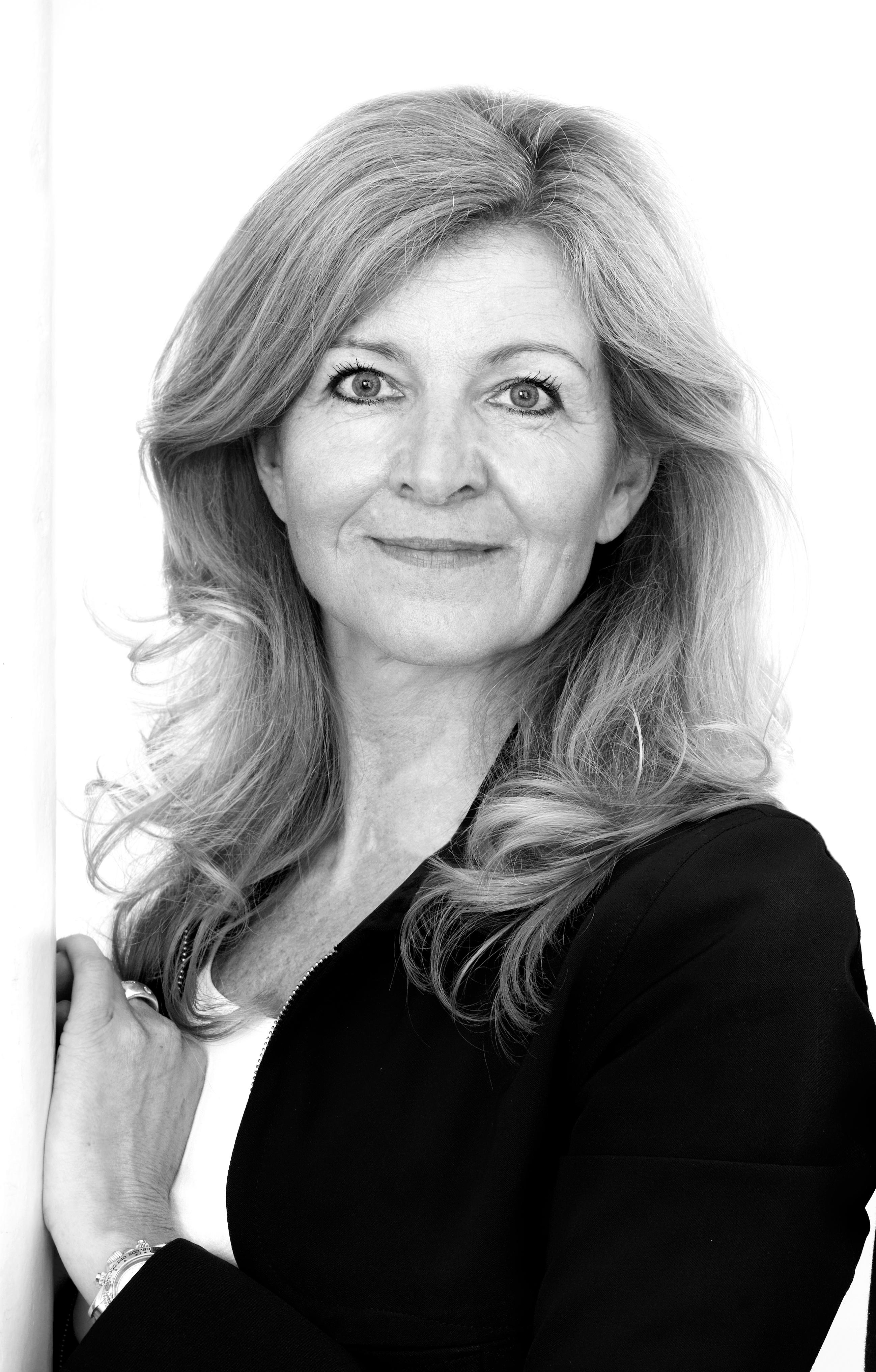 Vera Kaesmann: Über Narzissten und ihr Buch: Liebe – Kälter als der Tod / Einem Narzissten verfallen
