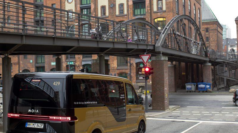 Gold-gelb und vollelektrisch – MOIA Ridepooling